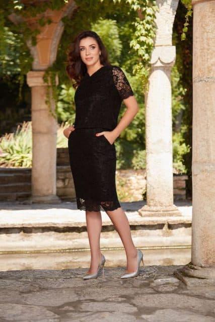 Fustă conică și bluză realizate integral din dantelă neagră Solstiss