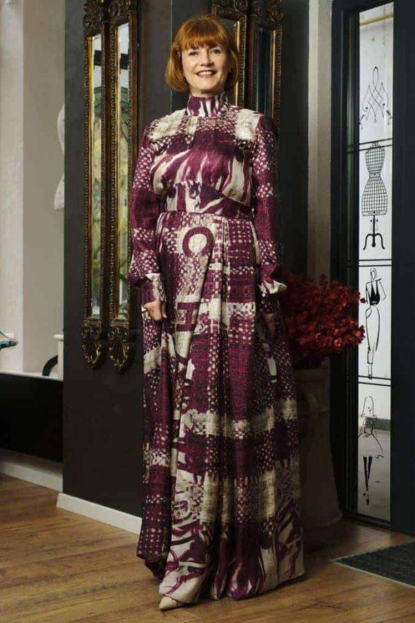 Rochie lungă în cute din mătase