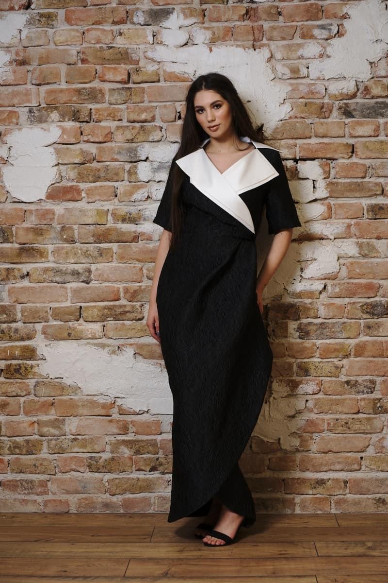 Rochie lungă din brocart gofrat