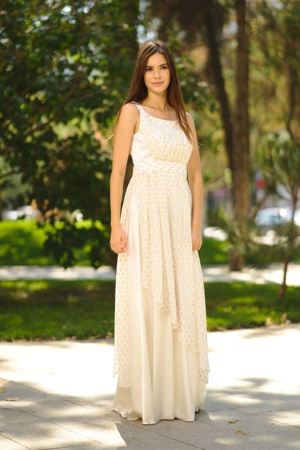 Rochie lungă din mătase și voal